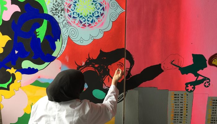 Fittjas mammor tar plats med kollektivt konstverk